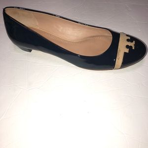 Tory Burch navy Gabrielle patent leather flats 8.5